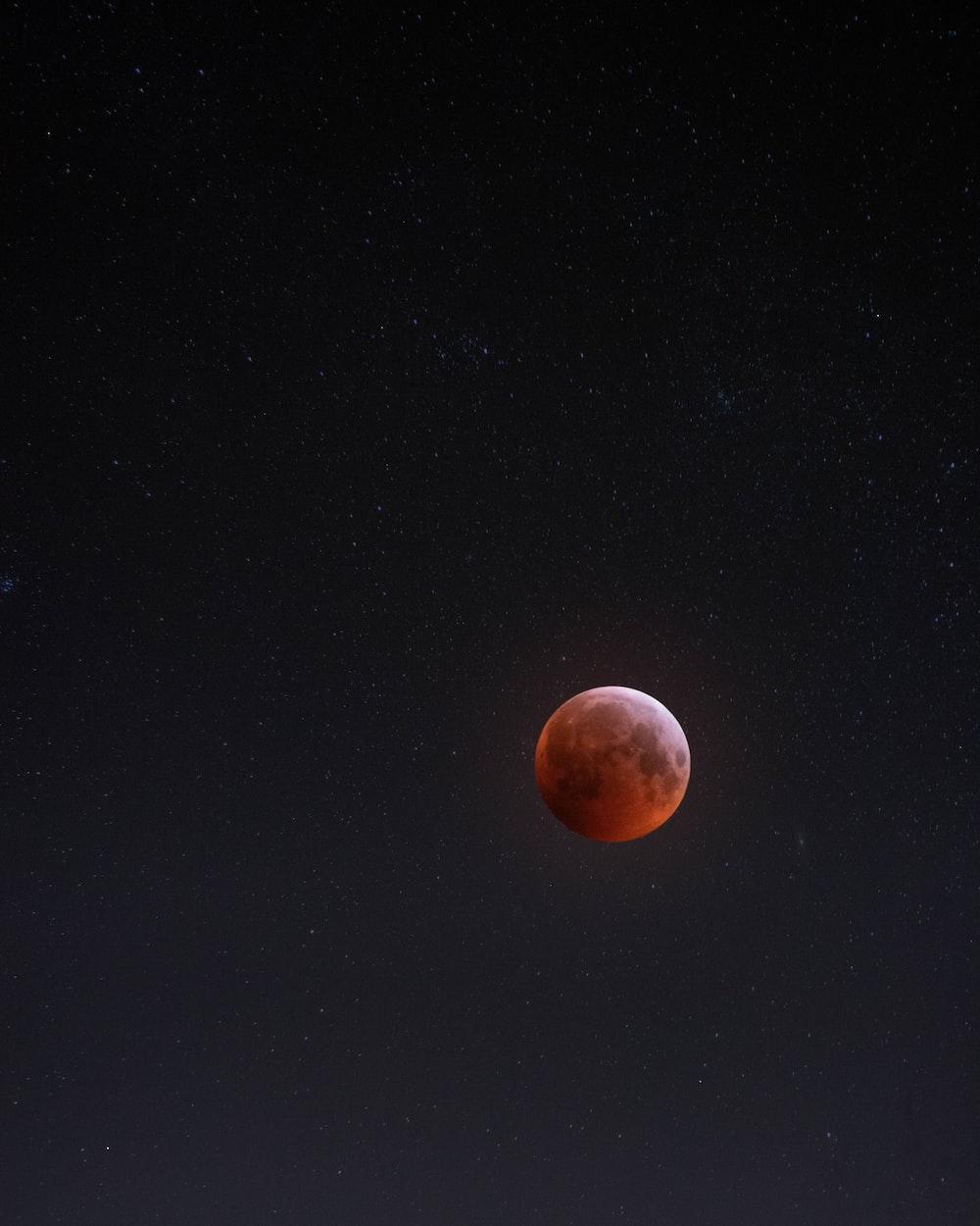 Earth's blood moon