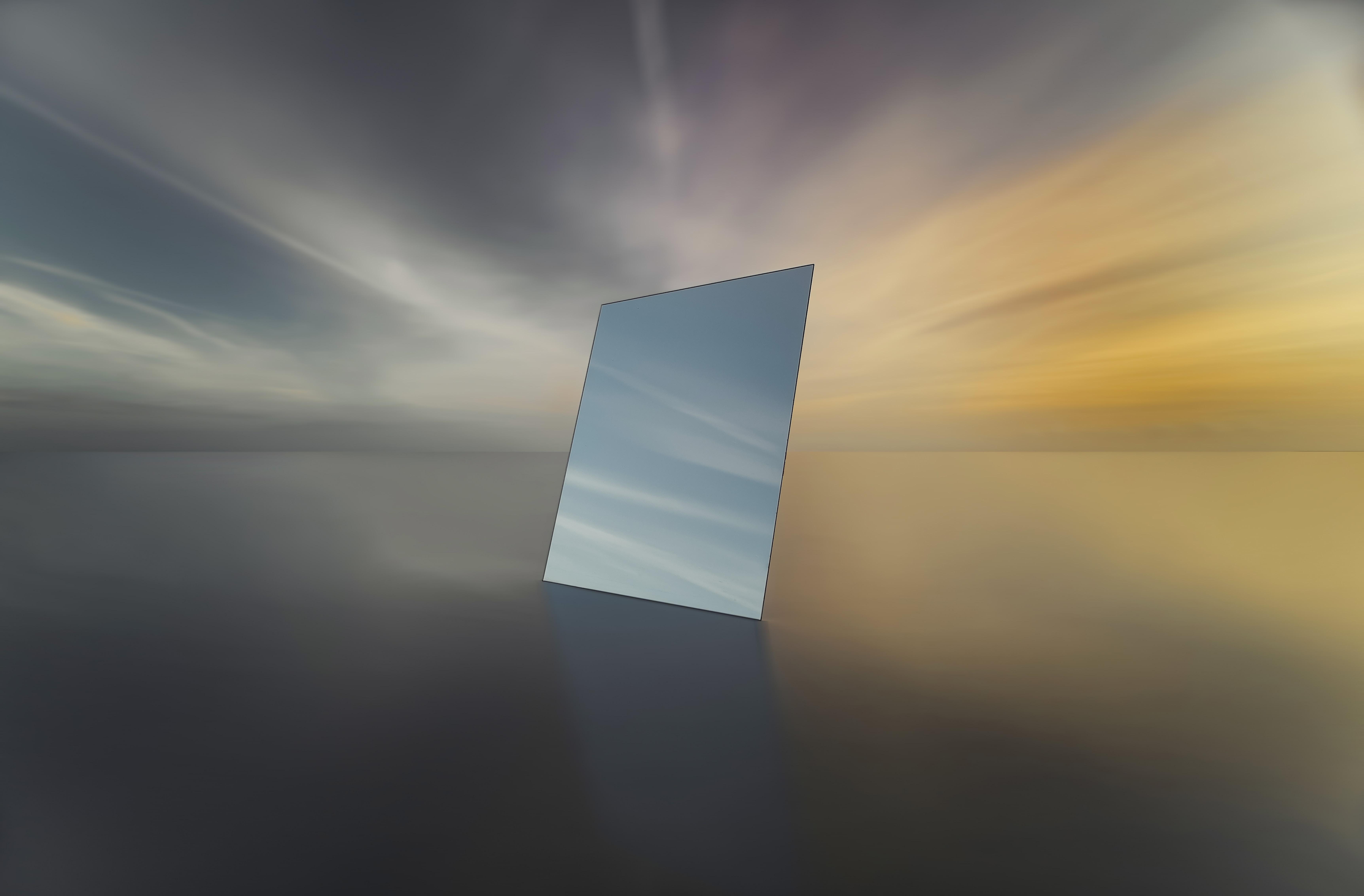 square mirror illustration