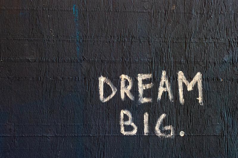 至於夢想,不做不會怎麼樣;但做了,會很不一樣