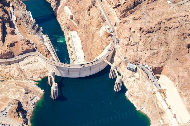 white concrete dam during daytime