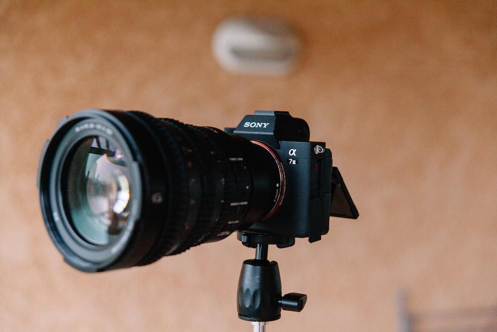 black Sony DSLR camera close-up photography