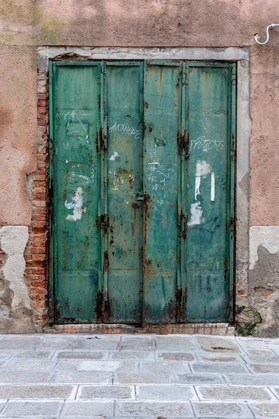 4475. Mediterrán városkép