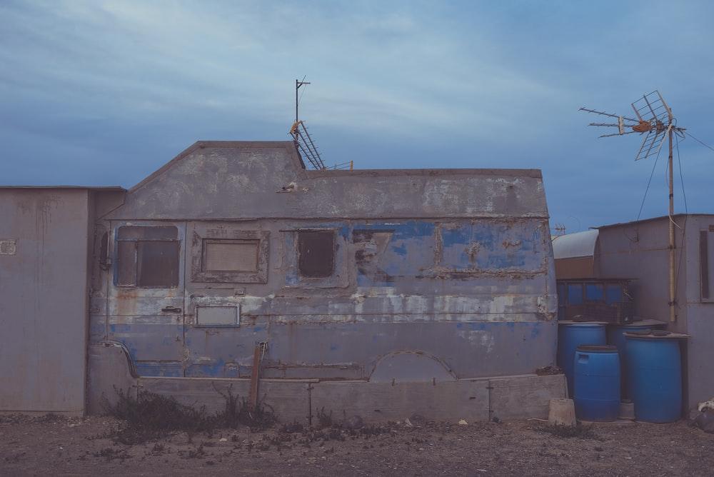 gray trailer home
