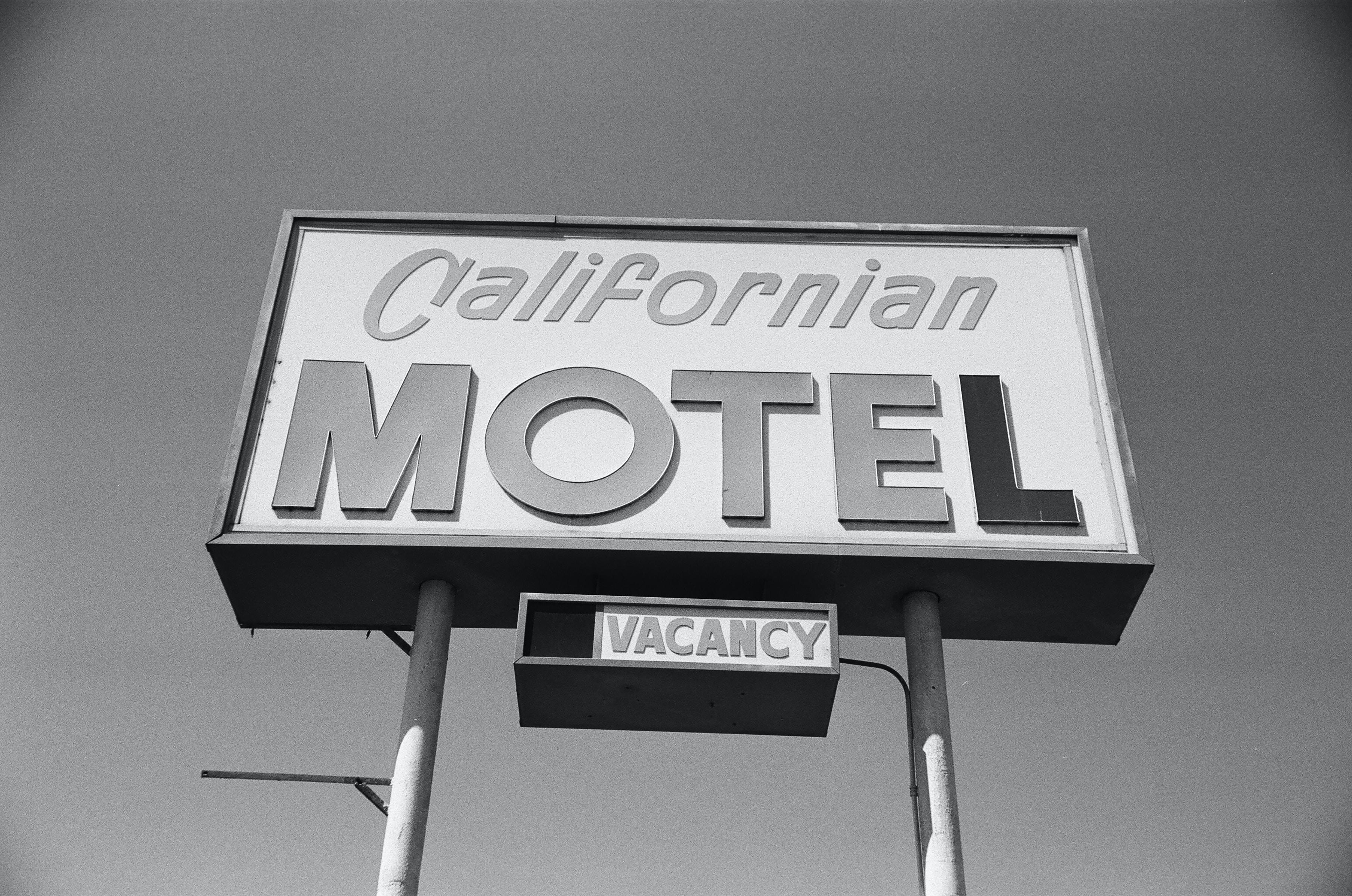 California Motel Vacancy signage