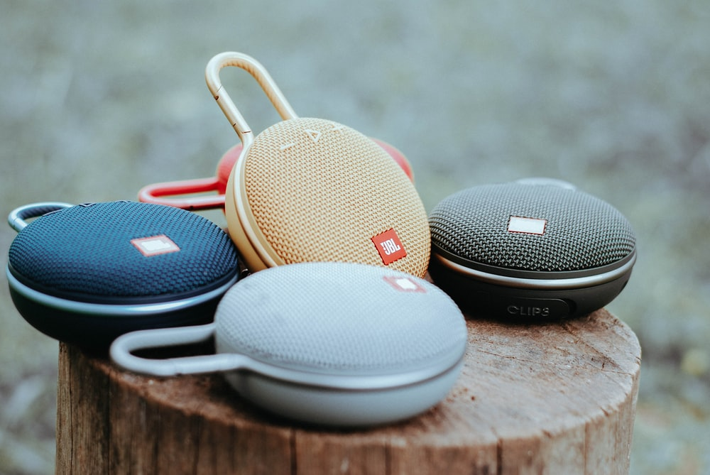 all colors of JBL Clip 3 portable speakers