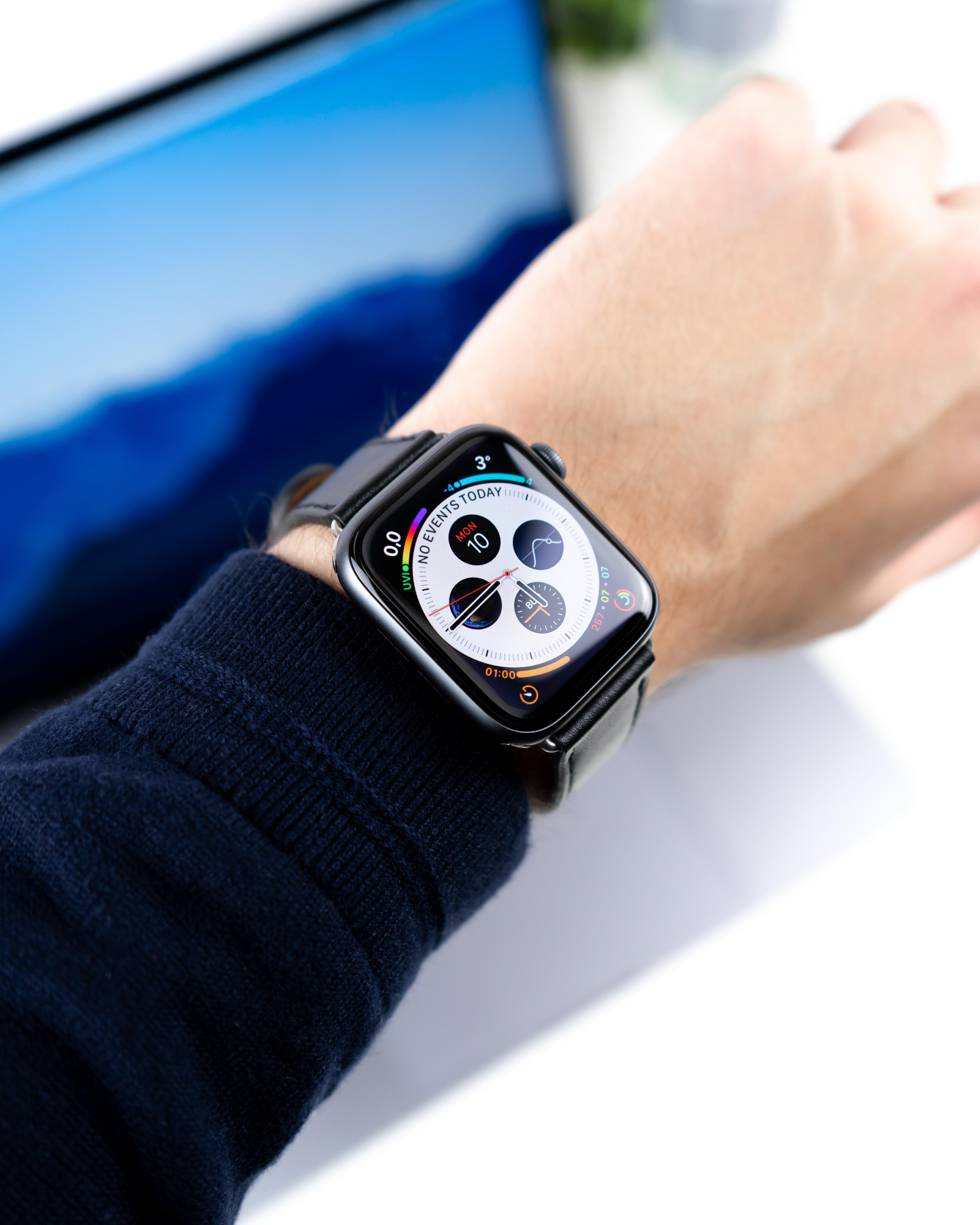 space grey aluminum case Apple watch