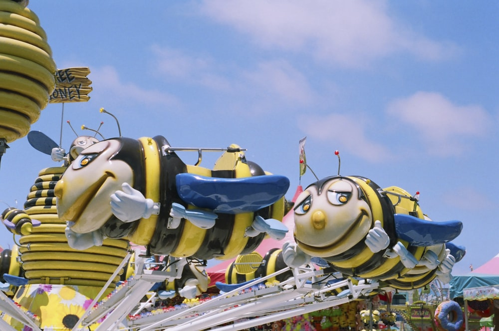 close-up photography of bee ride-on
