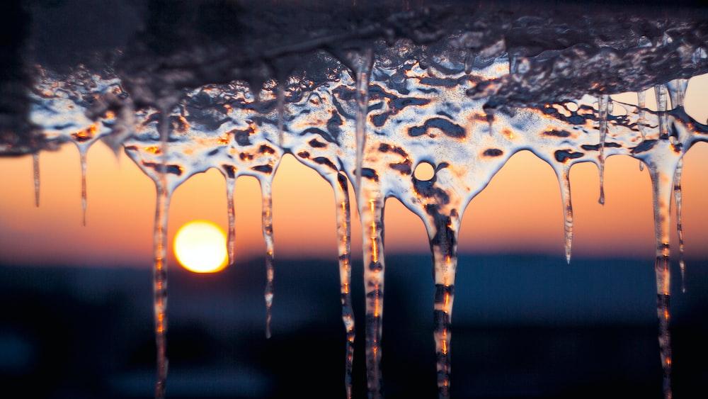 icicles closeup photo