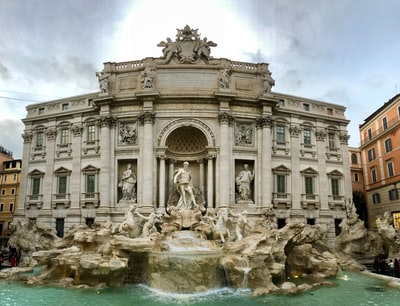 Trevi fountain in Paris during daytime