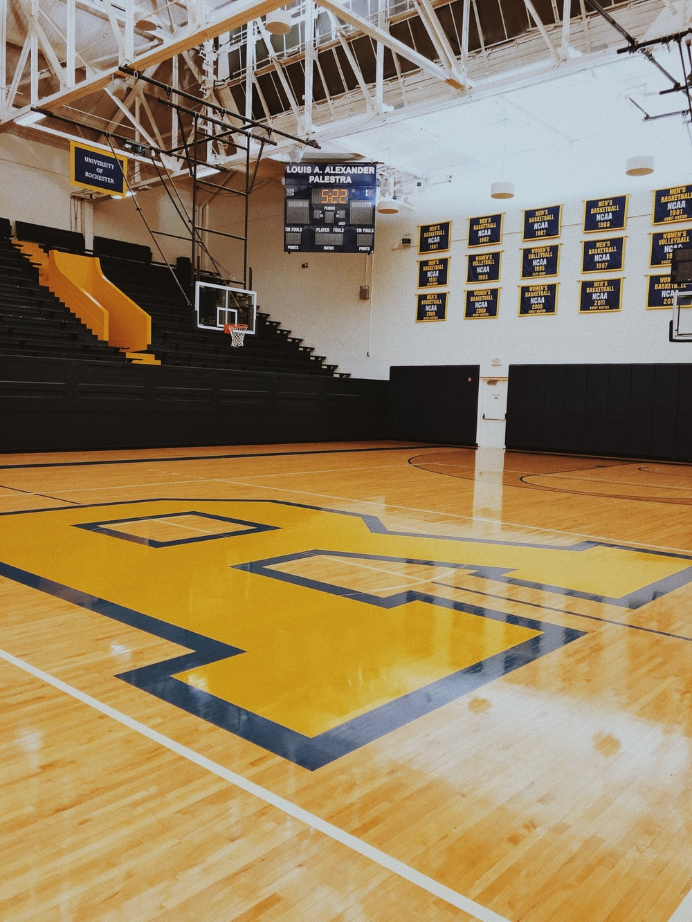 Empty Basketball Court Photo Free Basketball Court Image On Unsplash