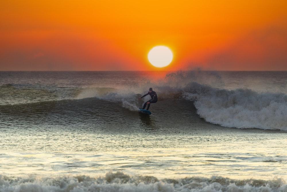 man playing surf