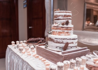 3-tiered cake on table