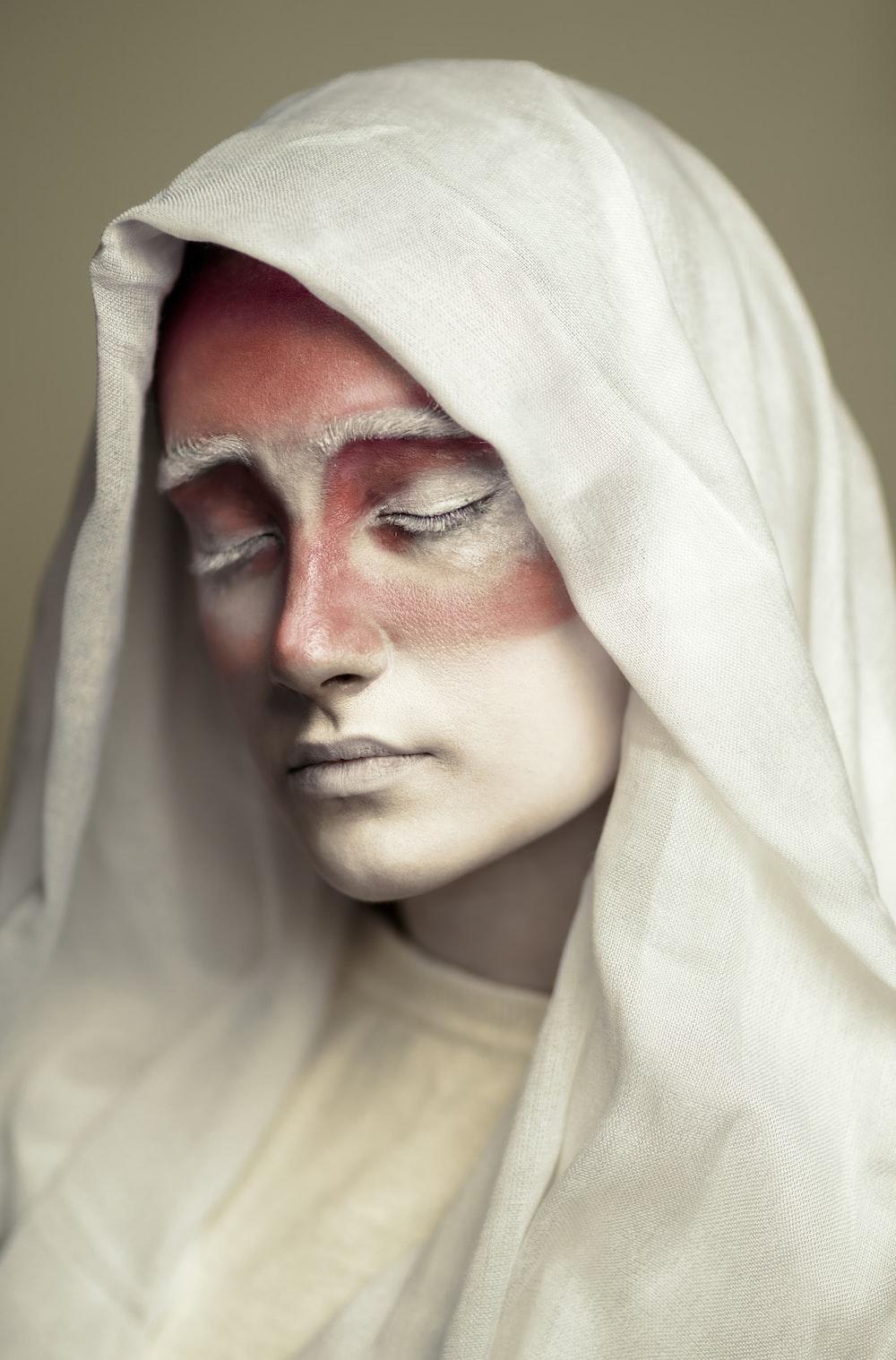 woman wearing white hijab scarf