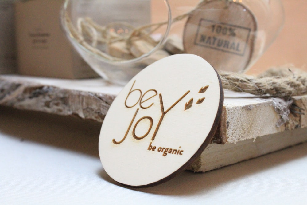 Be Joy table decor
