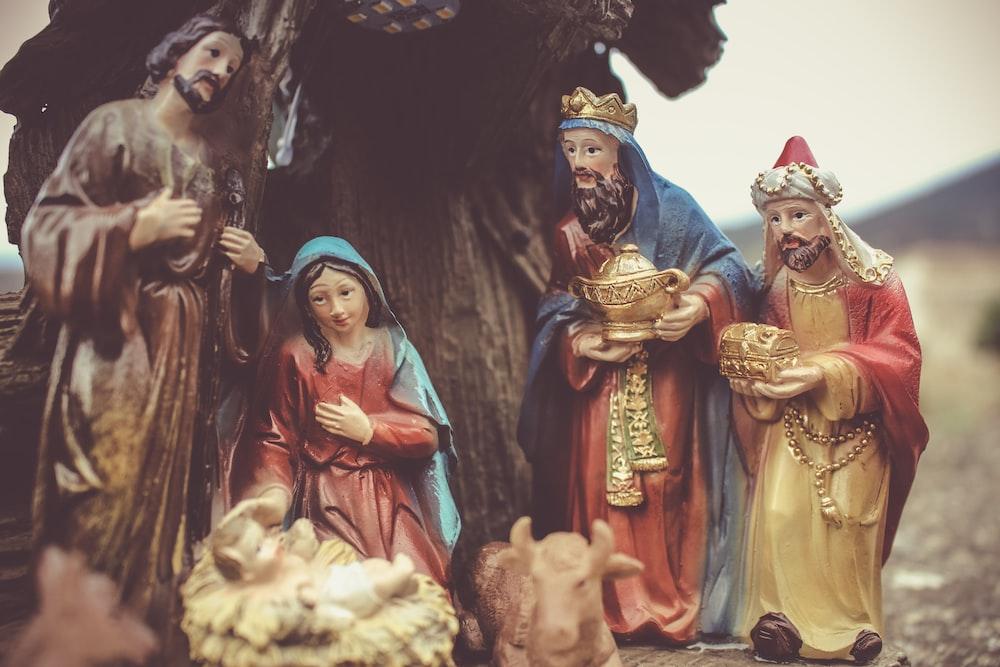 the nativity scene figurine