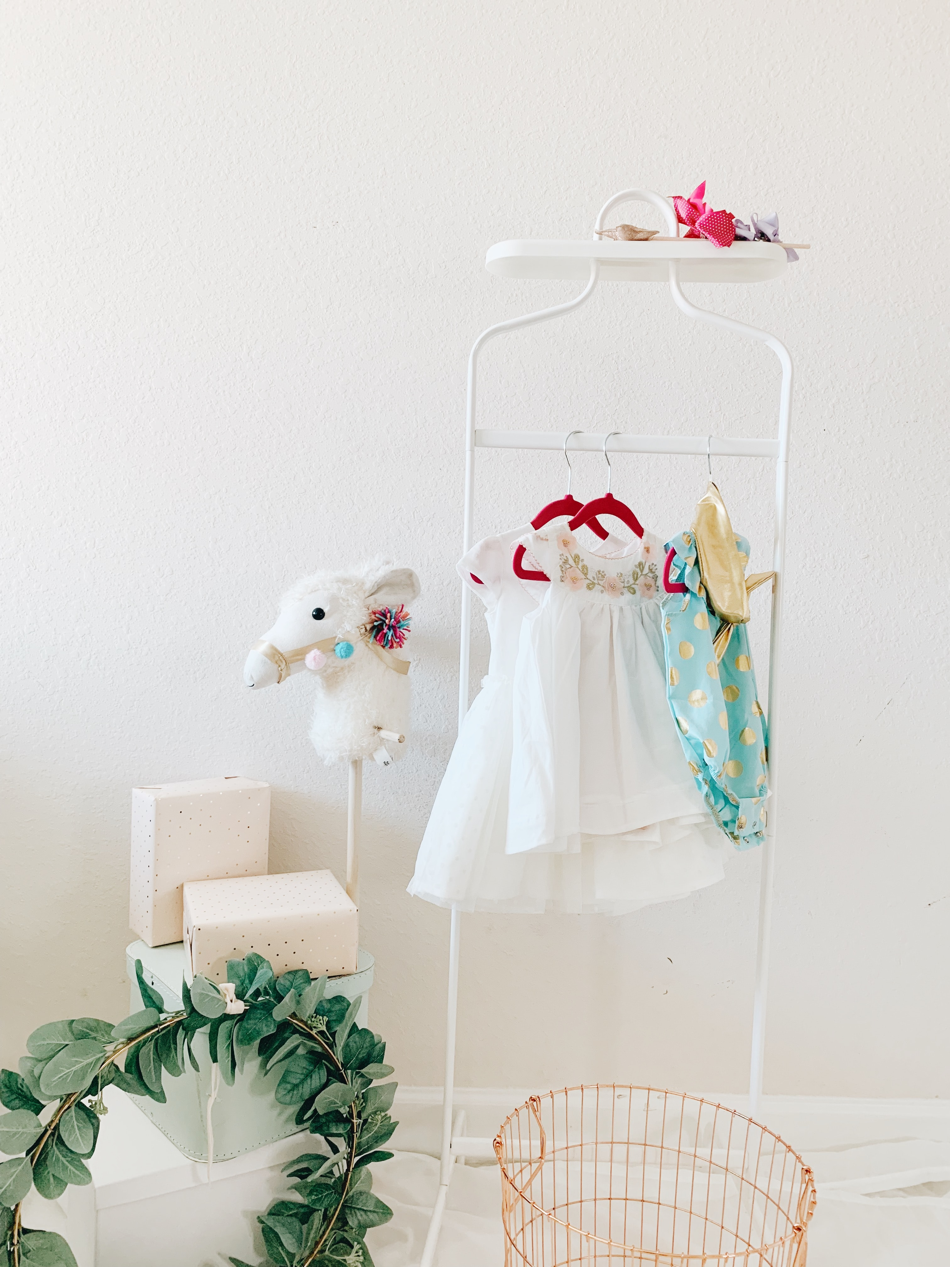 toddler's clothes hanged on rack