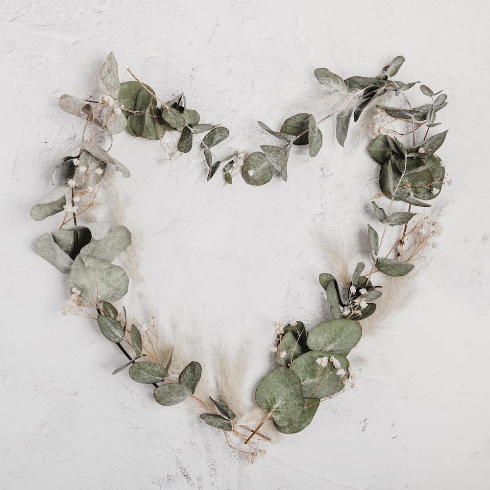 green leaf heart wreath
