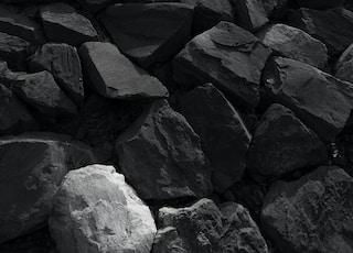 black and gray rocks