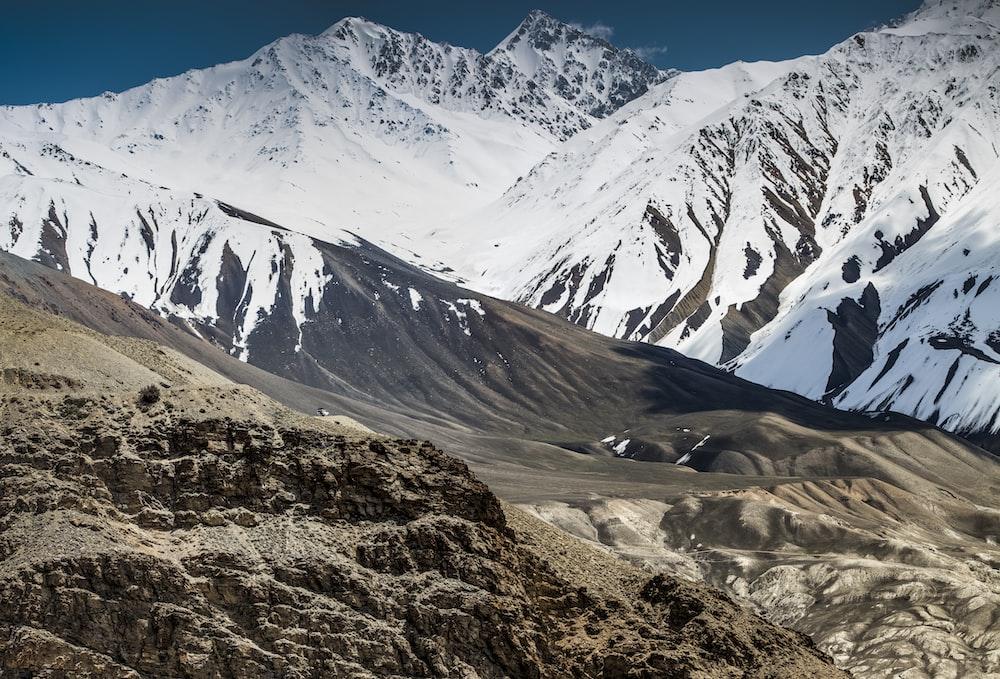 white mountain ranges during daytime