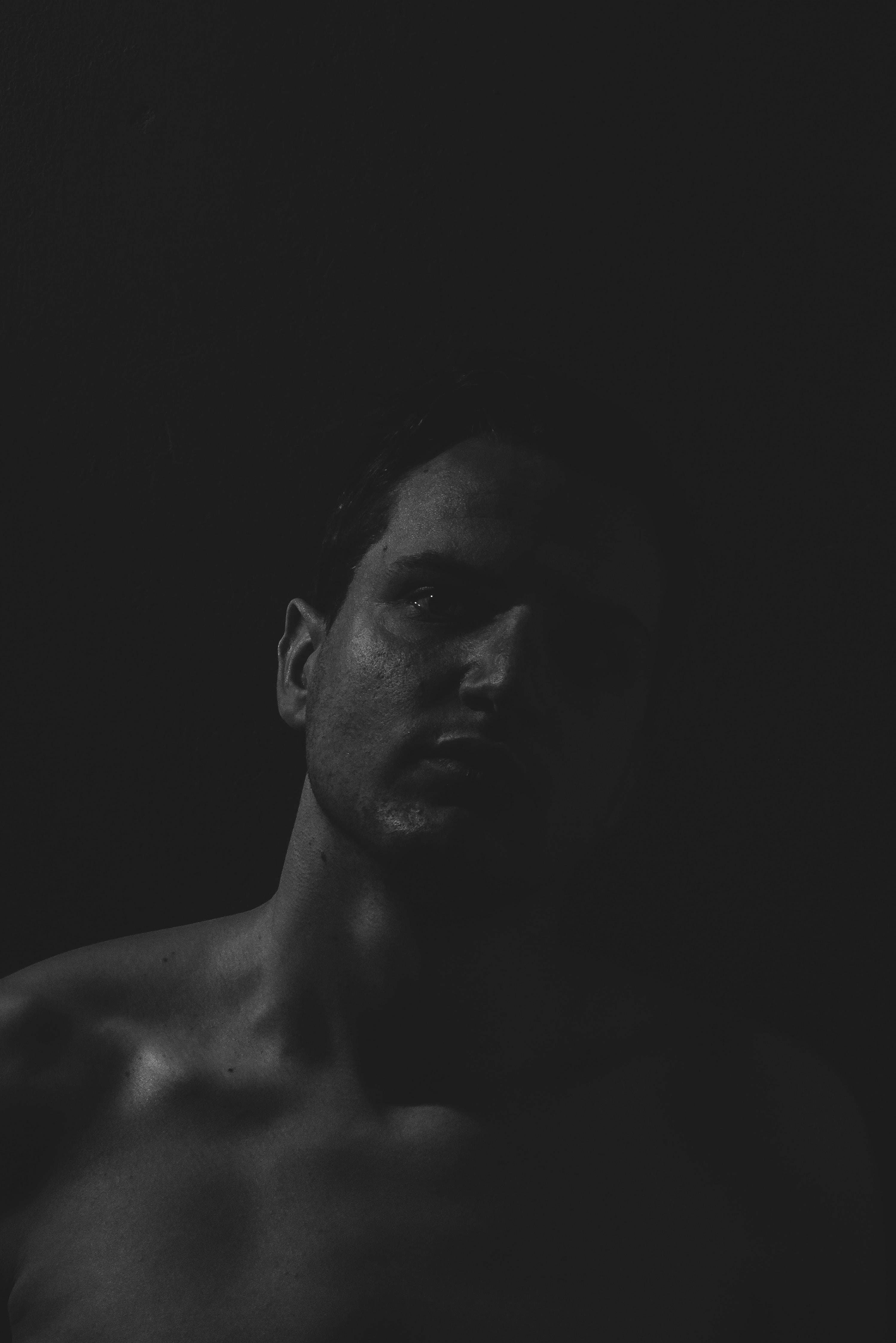 Jeune Soumis Gay Dans Une Video SM