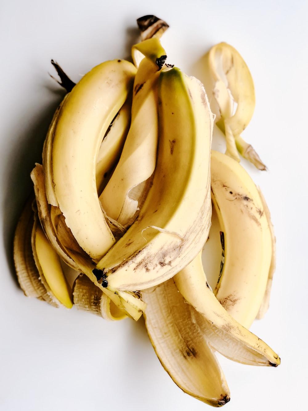 yellow banana peels