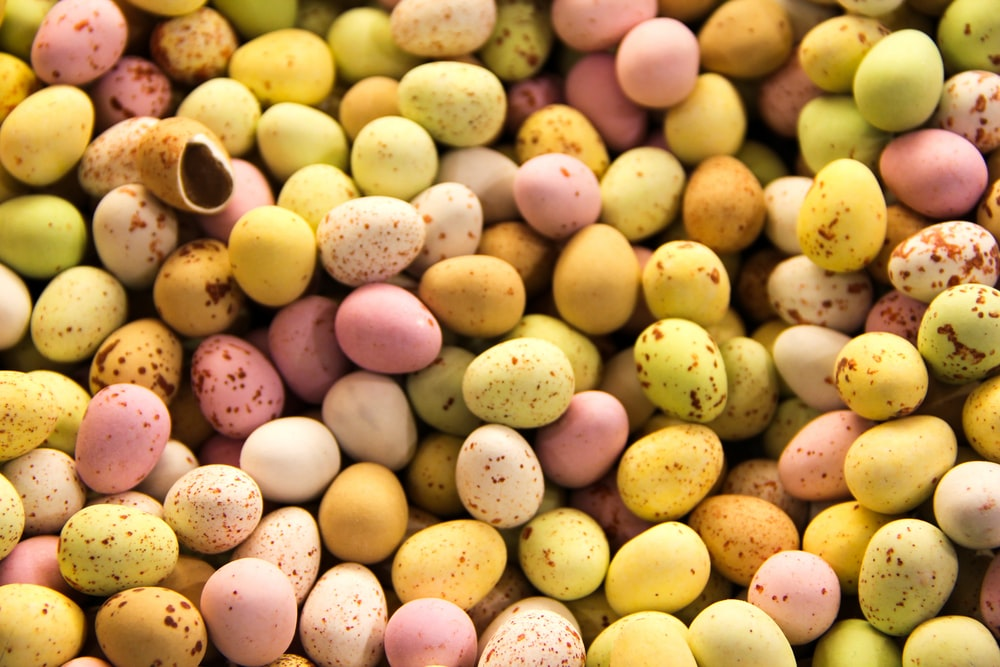 pile of assorted-color eggs
