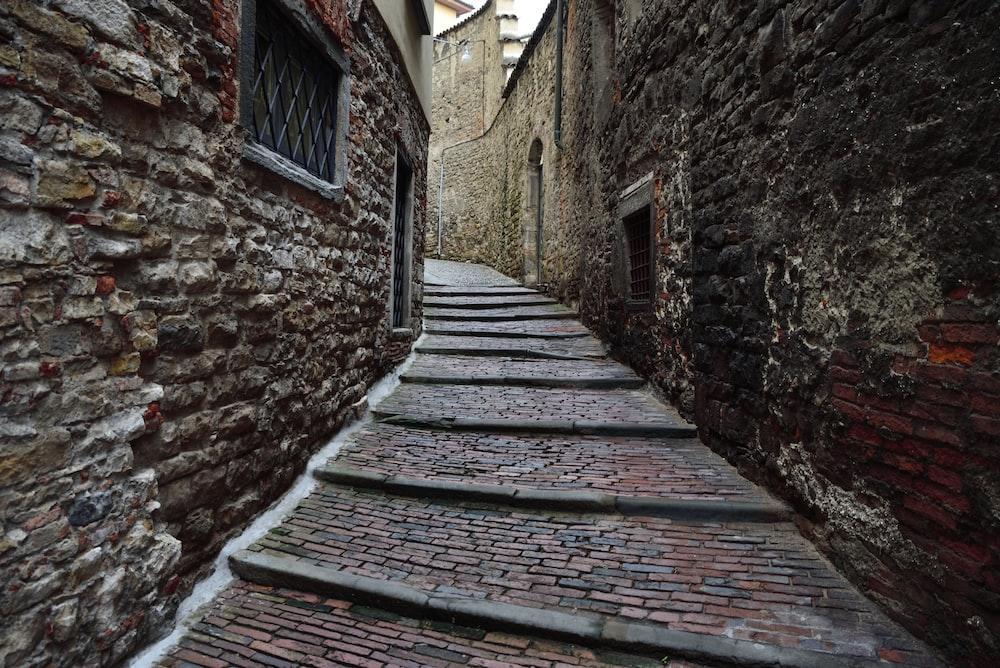 pathway between buildings