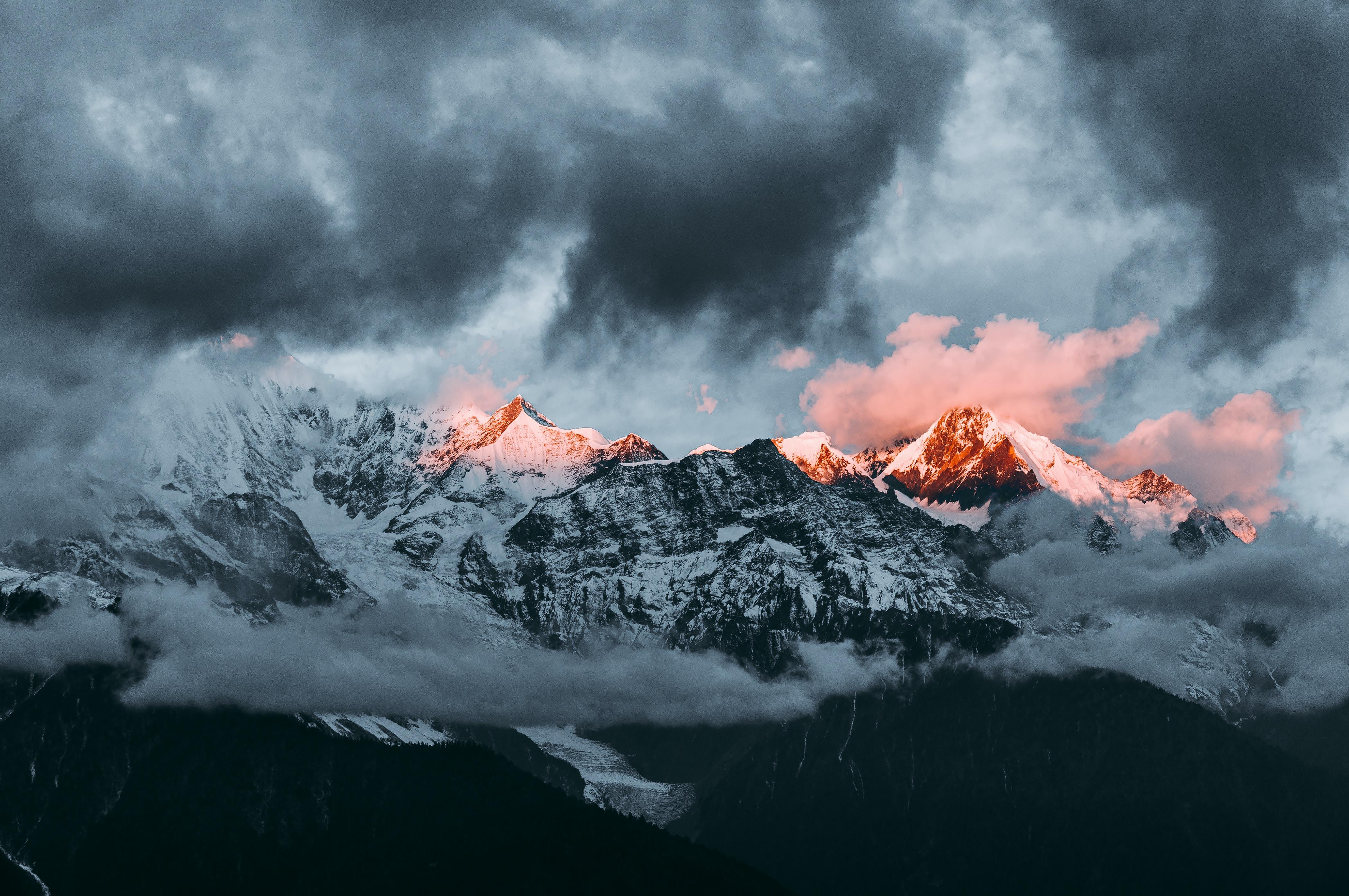 mountain under nimbus clouds