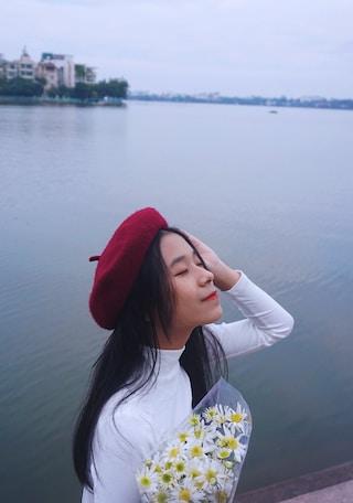 dreamy poetess