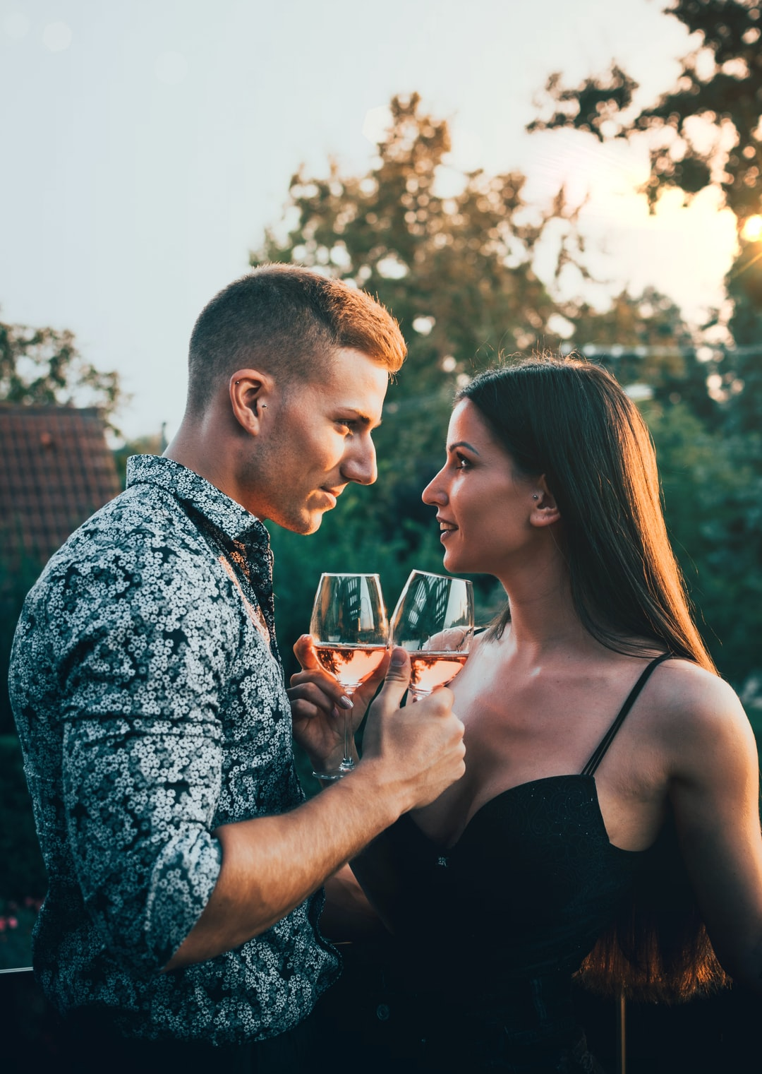 10 Signs He Loves You (Even if He Doesn't Say it Out Loud)