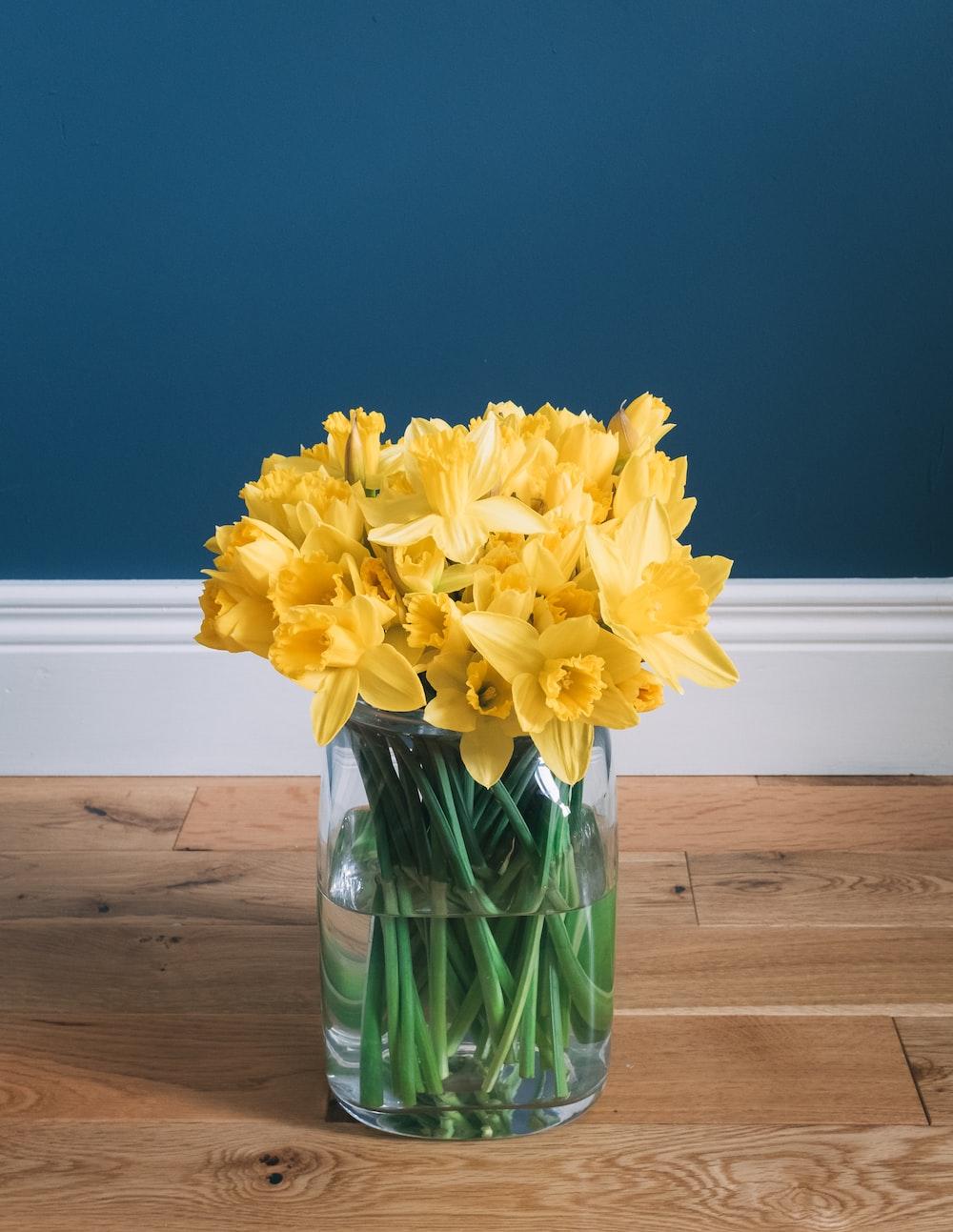 wild daffodil flower arrangement