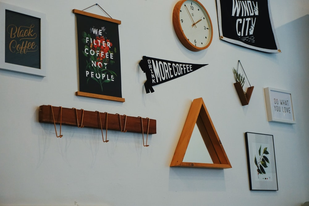 Wall Decor Clock: How To Decorate A Home Wall