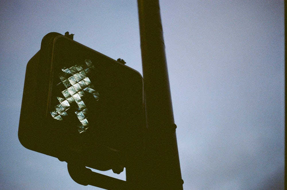 traffic light post