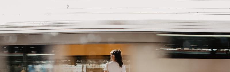御堂筋事件は地下鉄御堂筋線で起きた痴漢・強姦事件。女性専用車両の導入にも繋がった背景とは?