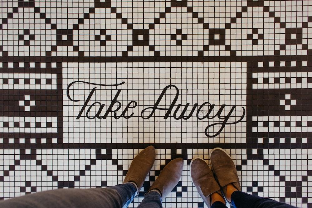 Take Away ceramic tiles décor
