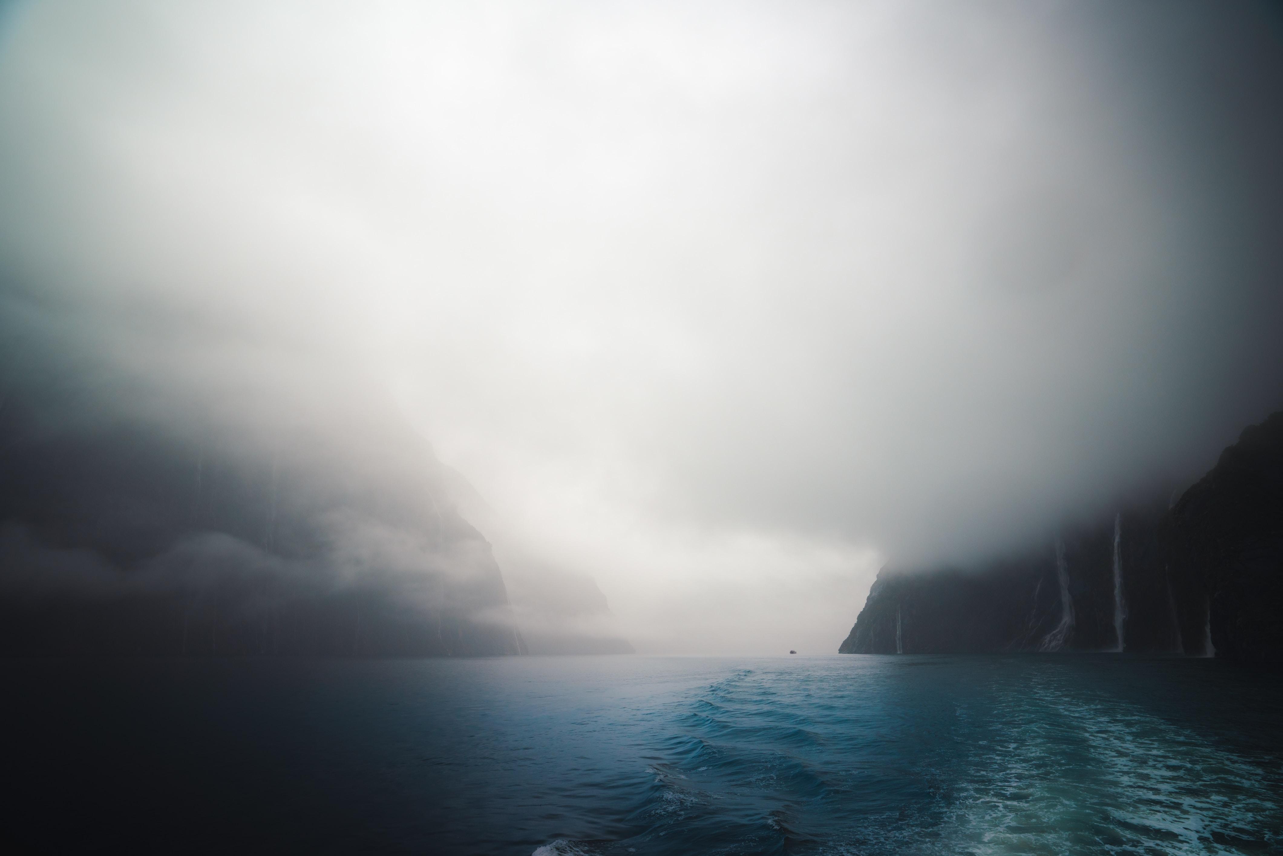 cloudy sea waves