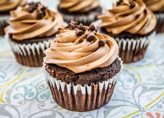 close up photography of cupcakes