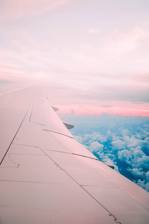 airline under white sky