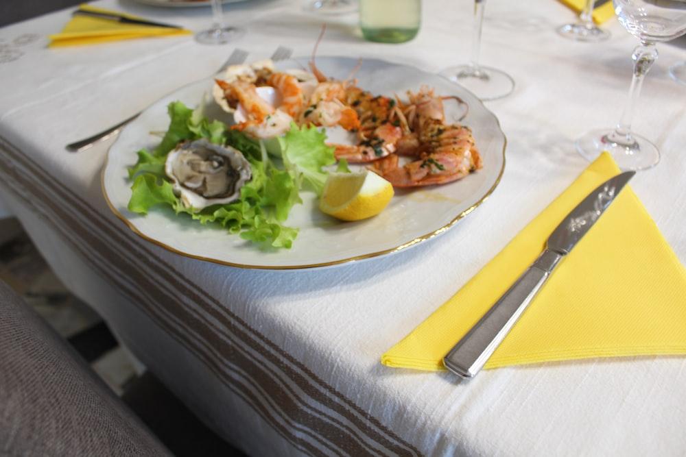 shrimp with lettuce