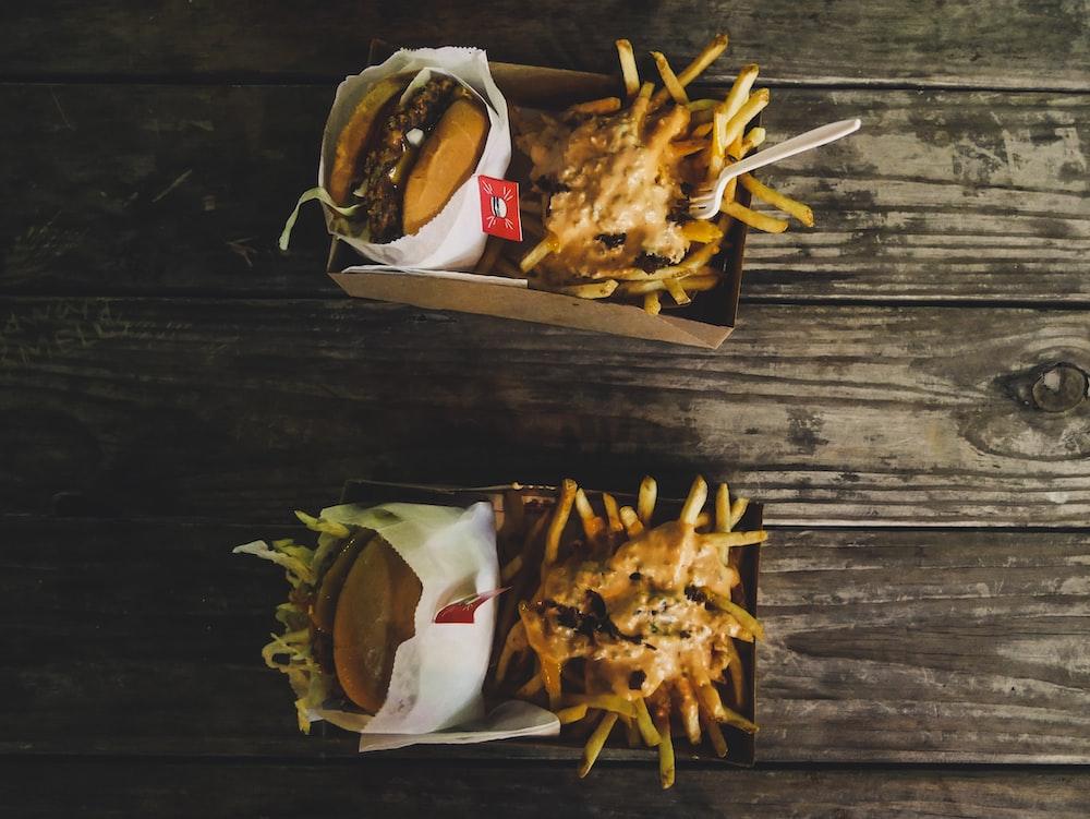 burger and potato fries platter