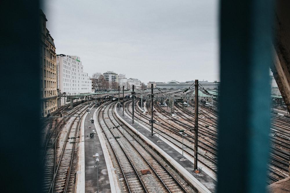 trail rail during daytime