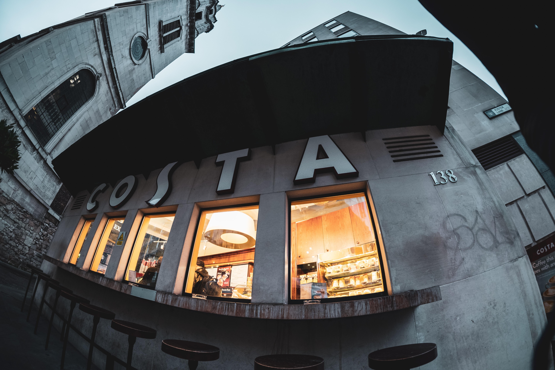 Costa store talking fisheye lens