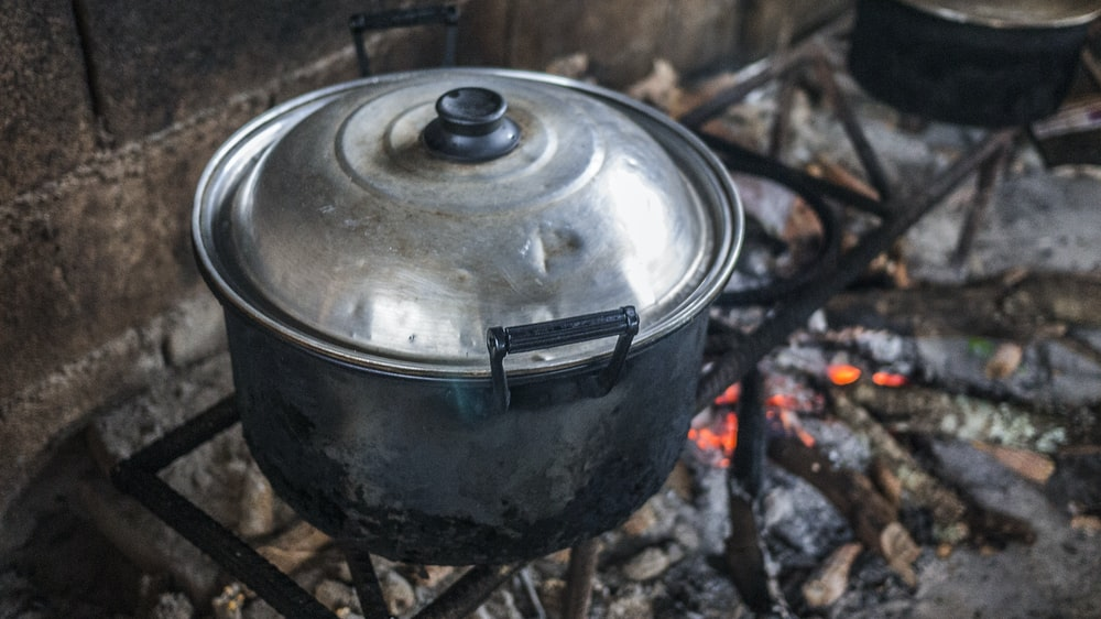 gray stainless steel cooking pot close-up photo