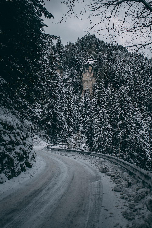 empty curve road