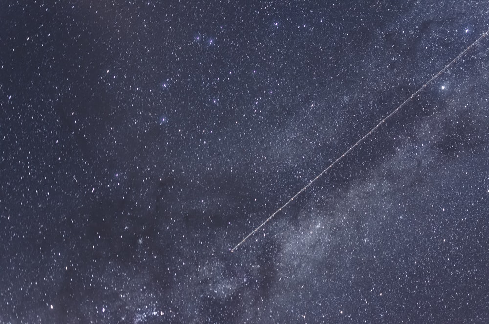 Flying through the Milky Way | HD photo by Lucas Marcomini