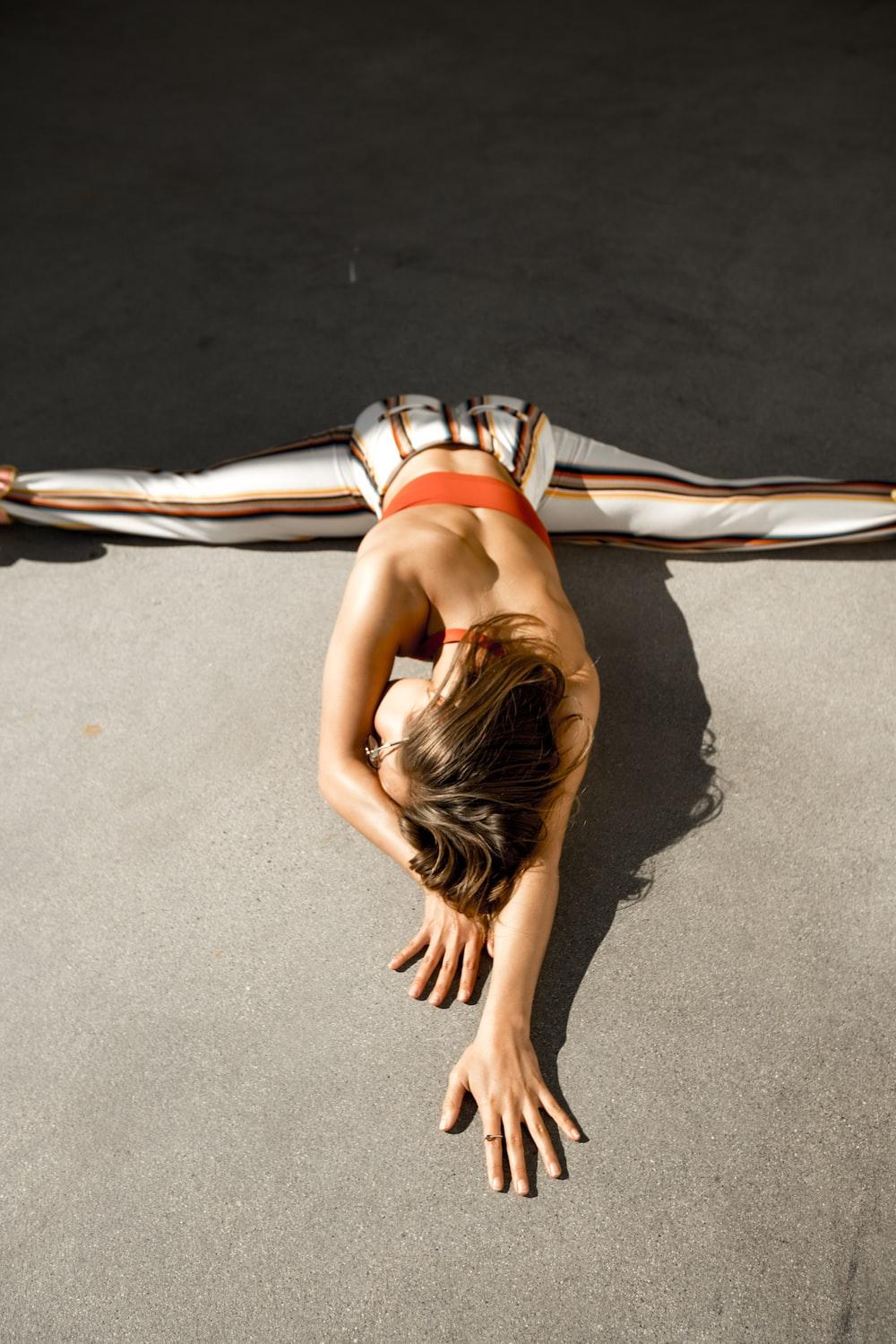 woman split her legs