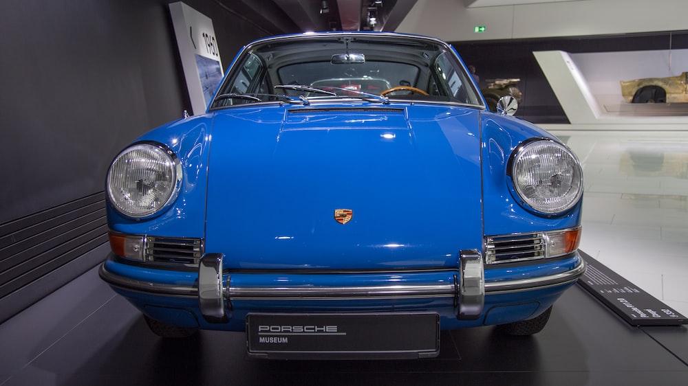 blue Porsche car