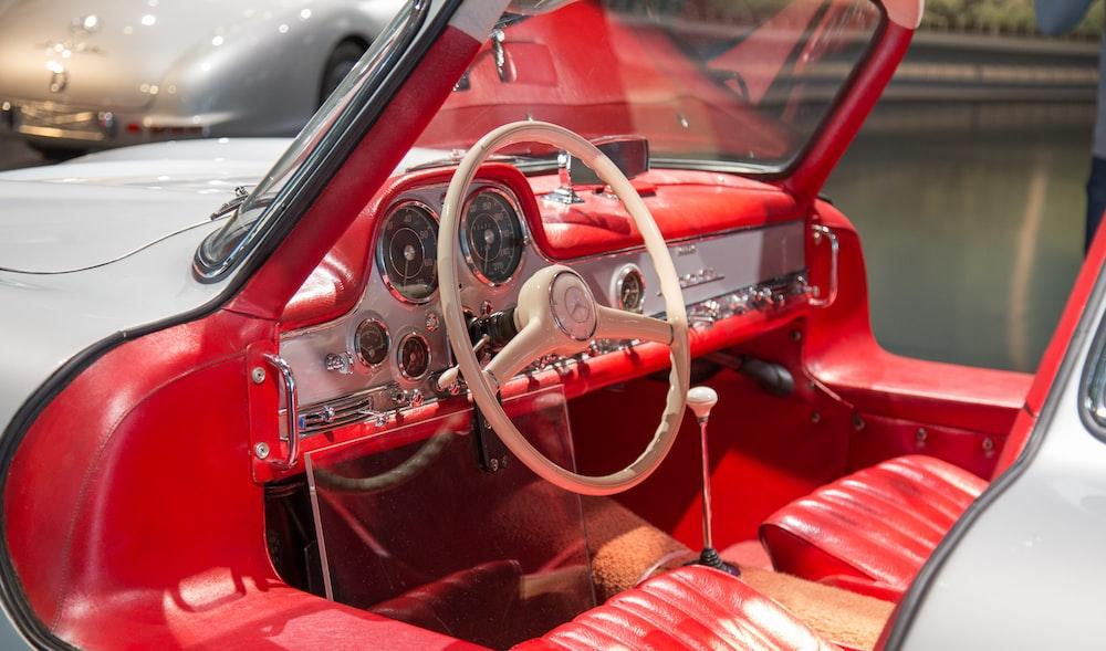beige Mercedes-Benz steering wheel