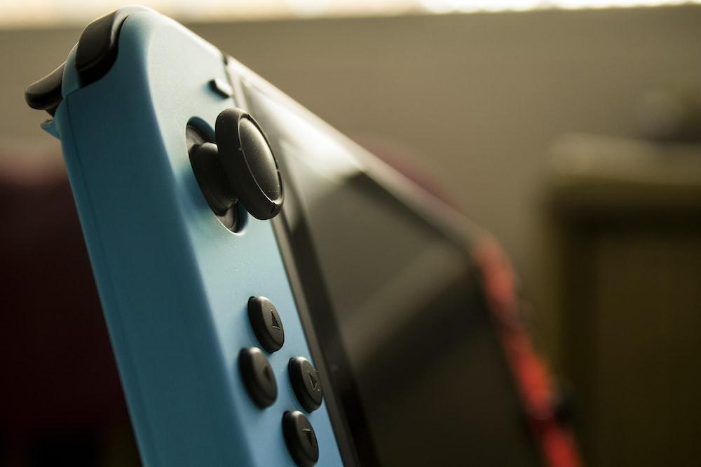 black Nintendo Switch
