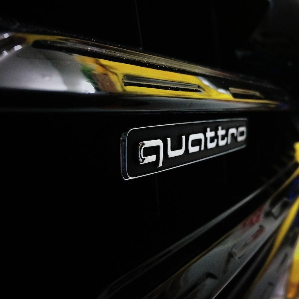 Quattro logo photo